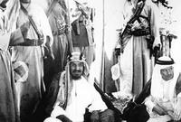 في عام 1921 تمكن عبد العزيز آل سعود من السيطرة على منطقة حائل وإنهاء حكم آل رشيد بها