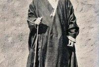 وفي عام 1924 تولى علي بن الحسين ابن الشريف حسين الحكم على المناطق المتبقية من الحجاز خلفًا لأبيه ليستكمل الصراع مع عبد العزيز آل سعود
