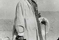 لكن في عام 1925 استطاع عبد العزيز آل سعود إحكام سيطرته على كامل الحجاز وإنهاء الحكم الهاشمي في المنطقة ليصبح سلطان نجد والحجاز قبل أن يغير اسمه إلى ملك ممالك نجد والحجاز