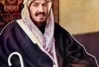 وفي عام 1953 توفي الملك عبد العزيز آل سعود بعد حكم دام أكثر من 51 عام بدأت بسيطرته وحكمه للرياض وإنشاءه للدولة السعودية الثالثة ثم سيطرته على كامل نجد والحجاز ثم إعلانه ملكًا على السعودية