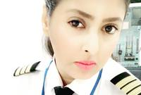 وحصلت ياسمين على رخصة طيار خاص من الأردن عام 2010 لكن لم تتاح لها فرصة عمل في مجال الطيران في تلك الفترة