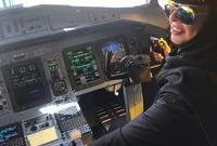 سافرت بعدها ياسمين إلى الولايات المتحدة الأمريكية وأكملت 300 ساعة تدريب طيران عام 2013