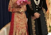كما جرت بحسب التقاليد الباكستانية طبقا لأصول الزوج