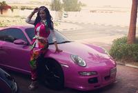 تميزت لجين بحبها الكبير للسيارات فهي تمتلك أسطولا من السيارات يحتوي على سيارات صنعت بالألوان الوردية التي تفضلها