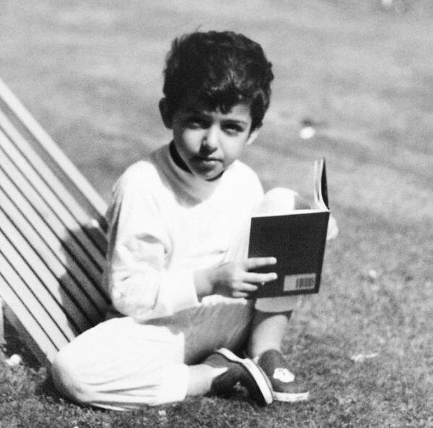 ولد الشيخ خالد بن سلطان القاسمي عام 1980 في الشارقة في الإمارات