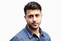 درس الشيخ خالد الهندسة المعمارية وحصل على شهادة بها لكنه قرر العمل بمجال آخر وهو مجال تصميم الأزياء