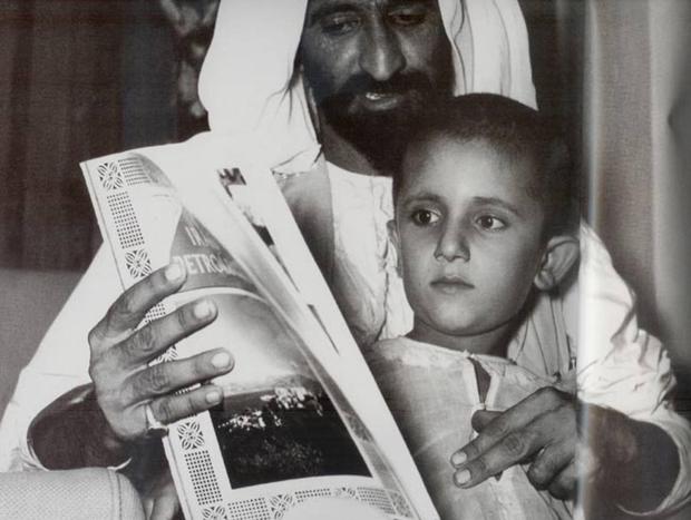 وُلد في دبي، يوم 15 يوليو عام 1949، وهو ثالث أبناء الشيخ راشد بن سعيد آل مكتوم الشريك الأول للشيخ زايد بن سلطان آل نهيان في تأسيس دولة الإمارات العربية المتحدة عام 1971.