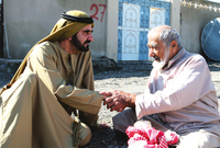 كما يُعرف الشيخ محمد بن راشد آل مكتوم، بتواضعه بشهادة المحيطين به، فكثيرًا ما يقود سيارته بنفسه كما يرتاد المواصلات العامة في دبي ويتجول بها أحيانًا دون حراسة