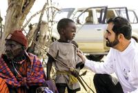 يشتهر كذلك بأعماله الخيرية والإنسانية المختلفة، وله إسهاماته الكبيرة والضخمة في مجال الأعمال الإنسانية، وله مؤسسات عديدة في مجالات مختلفة منها الصحية والثقافية والرياضية والتنموية