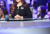 بدأت في المجال الإعلامي كمذيعة في تلفزيون البحرين عام 2004 ببرنامج (الحال مع لجين) ثم شاركت في تقديم برنامج (يا هلا) على قناة روتانا خليجية