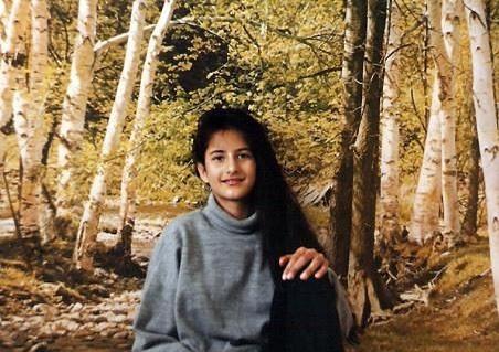 كاترينا محمد كيف ولدت يوم 16 يوليو 1983 بمدينة هونغ كونغ لأب كشميري مسلم وأم بريطانية مسيحية، انفصلا والديها وهي صغيرة لتعيش بعد ذلك مع والدتها في بريطانيا