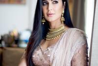 """انتقلت للعيش في مدينة """"مومباي"""" الهندية لتبدأ مسيرتها الفنية، وتلقت دورات تعليمية في اللغة الهندية التي كانت عائقا في مشوارها الفني"""