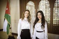 لجين عمران مع جلالة الملكه رانيا في أسبوع عمان للتصميم