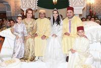 له أربعة أشقاء وهم الأميرة للا مريم ، الأميرة للا أسماء ، الأميرة للا حسناء ، والأمير مولاي رشيد