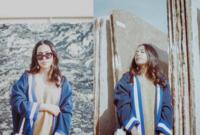 """آلاء بلخي هي مدونة سعودية في مجال الموضة و تعيش في نيويورك، تمتلك علامة آلاء تجارية خاصة بالحقائب باسم فيونكة """"Fyunka"""" تمثل الثقافة الشعبية والخليجية."""