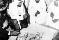 ركز كذلك على عمل نهضة عمرانية عملاقة بالإمارات فقام بإنشاء المباني والهيئات والوحدات والأحياء السكنية المختلفة التي ساهمت في تحقيق رفاهية المواطن الإماراتي