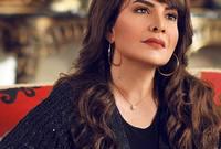 درست الأدب الإنجليزي في جامعة الكويت حتى وصلت إلى السنة النهائية، لكنها لم تستكمل الدراسة بسبب غزو العراق للكويت ومغادرتها للكويت حيث انتقلت للعيش في قطر