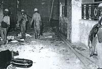 آثار التخريب الذي قام به العتيبي ورجاله في ساحة الحرم