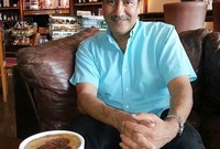 """صرح في حوار صحفي أنه يفضل قضاء إجازته الأسبوعية في التردد على الكافيهات والمطاعم المفضلة لديه، كما أنه يجيد الطبخ وبشكل خاص الأكلات الخليجية مثل """"الكبسة، البرياني، وأكلات السمك"""""""