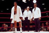 """جسد """"سميث"""" حياة أسطورة الملاكمة محمد علي في فيلم """"علي"""" عام 2001، وعلي الرغم من أن الفيلم كان مخيب للآمال في شباك التذاكر، لكن أداء """"سميث"""" القوي جعله رشح لجائزة الأوسكار لأفضل ممثل رئيسي"""