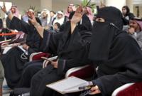 كما وافق مجلس الشورى السعودي على قرار يُجيز للمرأة أن تُصدِر فتوى شرعية، وذلك بعد أن كان هذا المنصب مقصورًا على العلماء الرجال فقط لأكثر من 45 عامًا
