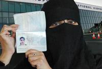 وفي سابقة أخرى منحت المملكة للمواطنات السعوديات الحق في الحصول على جوازات سفر والسفر دون موافقة أولياء أمورهن، وسيسمح للنساء من سن 21 عامًا فما فوق بالسفر خارج البلاد دون وصي