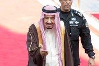يرتبط رئيس الحرس الملكي بالملك السعودي إرتباطا مباشرا داخل وخارج المملكة