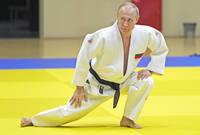 رياضة الجودو هي أشهر رياضة يلعبها بوتين ليس فقط لكونها رياضته المفضلة بل لكونه محترفًا بها وحاصل على عدة أحزمة بها كأي رياضي جودو آخر