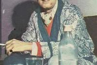 الملحن المصري الشهير منير مراد شقيق الفنانة الراحلة ليلى مراد، تحول مثل شقيقته من الديانة اليهودية إلى الإسلام وكان اسمه قبل الإسلام «موريس» ودخل الإسلام عن اقتناع