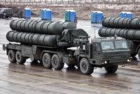 ومنظومة اس-400 الروسية التي تعد أحد أقوى منظومات الدفاع في العالم