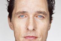 حاز على لقب أكثر الرجال جاذبية في العالم عام 2005 من مجلة People  العالمية وهو وجه متكرر بشكل دائم في قوائم أكثر رجال العالم وسامة وجاذبية