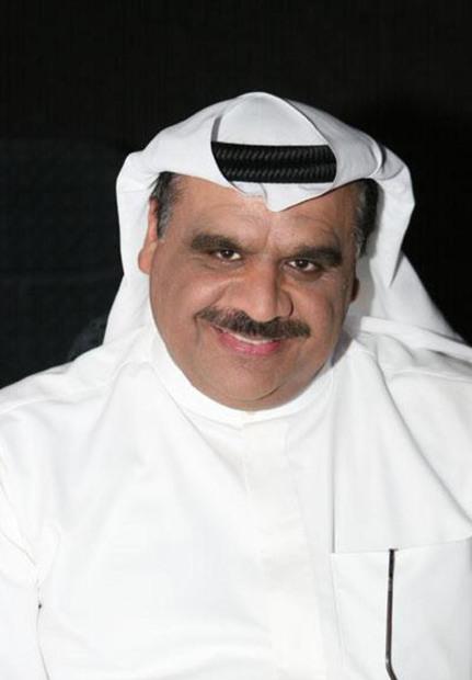 ولد داوود حسين في 5 نوفمبر عام 1958 بمنطقة «الصوابر» بدولة الكويت، وهو من أصول باكستانية وظل أكثر من 40 عام غير حامل لجنسية الكويت رغم مولده وإقامته بها