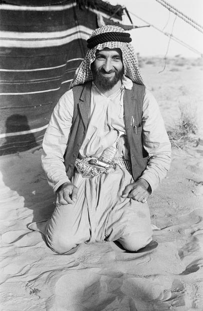 بمجرد تولي الشيخ زايد  بن سلطان آل نهيان حكم إمارة أبو ظبي عام 1966 فقد سعى لتعزيز الروابط مع الإمارات الخليجية المجاورة في محاولة منه للتمهيد لتأسيس اتحاد خليجي يشمل تلك الإمارات