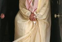 وخلفه ابنه الشيخ خليفة بن زايد آل نهيان والذي يحكم الإمارات والذي يحكمها منذ عام 2004 وحتى الآن