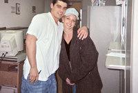 شهدت حياة بريتني خلال العامين التاليين تخبطات عديدة كان أبرزها زواجها عام 2004 من صديق طفولتها جايسون ألكسندر بشكل مفاجئ وادعى الكثيرون أن بريتني لم تكن في كامل وعيها حين تزوجت منه