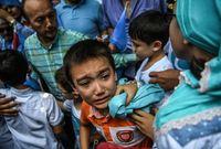 كما تقوم السلطات الصينية بتفريق الأطفال المسلمين عن أسرهم وإرسالهم إلى المدن الصينية لتعليمهم الثقافات الصينية وإجبارهم على نسيان وترك الإسلام