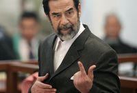 روى جندي أمريكي من المشاركين في تنفيذ عملية الإعدام اللحظات الأخيرة في حياة صدام حسين قبيل إعدامه حيث كتب كافة التفاصيل في رسالة بعث بها إلى زوجته