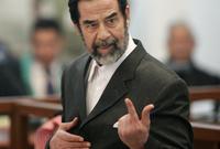 تم تنفيذ عملية شنق صدام خلال نطقه للشهادتين حيث نطق أولًا أشهد أن لا إله إلا الله ثم نطق أشهد أن محمدًا ولم يتمكن من استكمالها حيث تم إسدال حبل المشنقة عليه في تلك اللحظة