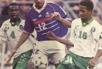 توج خميس العويران مشاركته مع الأخضر بالظهور معه في كأس العالم عام 1998 في فرنسا وفي عام 2002 في كوريا الجنوبية واليابان