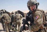 لكن الولايات المتحدة لم تخل جنودها رغم الخطر وأكدت أن من حقهم الدفاع عن أنفسهم
