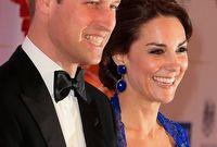 """كاثرين أميرة بطبيعة الحال، إلّا أنّ لقبها الصحيح هو"""" صاحبة السمو الملكي دوقة كامبريدج"""". فهي لم تولد أميرة بالدم، لذلك لا تُعتبر أميرة في حد ذاتها. وعندما تزوجت وليام، أخذت من مرتبة زوجها، وهو أمير من عائلة مالكة، والإشارة لها على انها """"الأميرة كيت""""، ببساطة غير صحيح"""