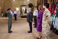 وتقلدت الأميرة سلمى جناح الطيران بعد نجاحها في إكمال دورة في الطيران بجانب إتمامها مقرر الطيران الأكاديمي والعلمي