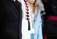 الأميرة إيمان الشقيقة الكبرى للأميرة سلمى مع والدها الملك عبد الله ووالدتها الملكة رانيا خلال حضورها حفل تخرج شقيقتها الصغرى