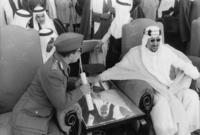 وبعد صدور هذا القرار توسع الخلاف بينه وبين أخيه الأمير فيصل، كما ازداد عليه المرض ليقرر العلماء تشكيل وفد لمقابلة الملك سعود لإقناعه بالتنازل عن الحكم