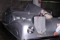 شاركت هذه السيارة في احدى السباقات بأمريكا في وقت لاحق بعدما أخرج مالك السيارة الأصلي الأوراق التي تثبت حقه فيها لتعيدها له القوات الأميركية
