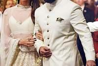 سيف علي خان مع زوجته كارينا كابور