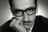 شارك في عدة أعمال مسرحية وتلفزيونية عام 1960 ليقرر ترك عمله بالتدريس الجامعي في خطوة نالت اعتراض أسرته لكن حبه للفن جعله يصمم على قراره