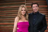 """تعرف جون على زوجته """"كيلي بريستون"""" أثناء تصوير فيلم """"The Experts"""" في عام 1989"""