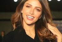 الإعلامية سها نويلاتي.. من مواليد 1992، وتقدم برامج تلفزيونية في إحدى القنوات الخليجية