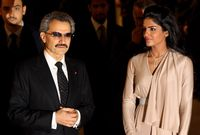 واشتهرت قبل انفصالهما بأنها الأميرة السعودية الوحيدة التي ترافق زوجها في جولاته وسفرياته الخارجية على عكس باقي زوجات الأمراء الآخرين
